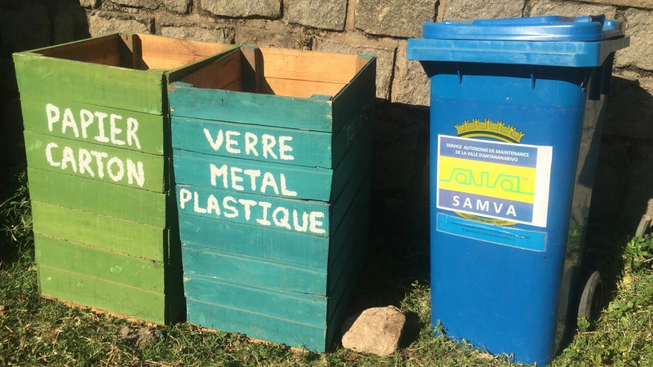 Bins for waste collection and recycling ♻